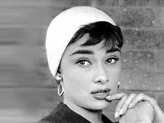 A Timeless Beauty in Any Era  ~ Audrey Hepburn (clic on photo)