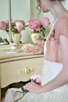 Very vintage vanity <3