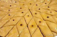 Υπέροχος μπακλαβάς με χειροποίητα φύλλα και για αρχάριους ⋆ Cook Eat Up! Food, Essen, Meals, Yemek, Eten