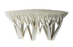 В тренде у современных дизайнеров тема леса - стилизация предметов интерьера под живые растения набирает обороты