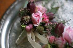 Die romantische Variante der Ansteckblume für den Bräutigam <3 #tollwasblumenmachen #flower #corsett #wedding