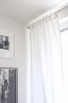 Homevialaura | time for window cleaning | livingroom | white linen curtains | gallery wall