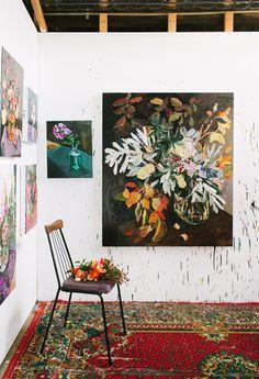bright blooms: fresh summer florals Artist Laura Jones' studio via The Design Files. Photo by Rachel Kara. Art Floral, The Blue Boy, Contemporary Abstract Art, The Design Files, Hanging Art, Gravure, Art Studios, Painting Inspiration, Flower Art