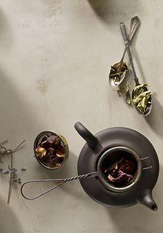 Sarah Cave : Still Life Book Coffee Time, Tea Time, Blackberry Tea, Coin Café, Prop Styling, Tea Art, Food Photography Styling, Tea Ceremony, Book Of Life