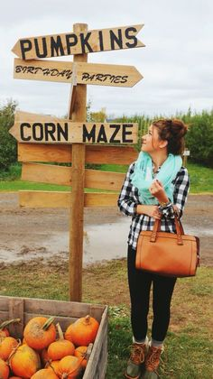 "Hi Friends, I'm so glad to be back after 2 months in a ""Maze"". Happy day in the autumn country!"
