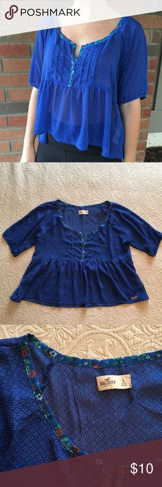 Hollister Flowy Peasant Blouse / Top Hollister Flowy Patterned Peasant Blouse / Top Size Large.  Super flattering and in great condition! Hollister Tops