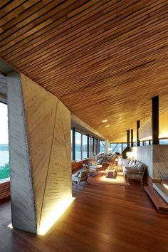 Hotel Refugia by Mobil Arquitectos. Wood