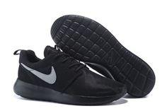 Nike Trainers Lace Up Textile Shoes for Women Nike Shoes Maroon, Black Nike Shoes, Nike Shoes Online, Nike Free Shoes, Nike Trainers, Sneakers Nike, Air Jordan, Nike Shoes Huarache, Nike Shoes Outfits