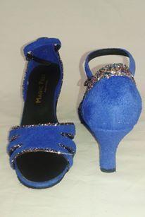 Chaussure de danse et de mariage haut de gamme, fabrication italienne, 100% personnalisable. Souple et confortable. Ici en cuir pailleté. Sandals, Shoes, Fashion, Leather, Dance, Heels, Top, Weddings, Moda