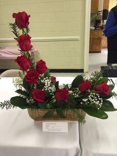 New Garden Club Journal Valentine's Day Flower Arrangements, Flower Arrangement Designs, Christmas Floral Arrangements, Flower Designs, Church Flowers, Valentines Flowers, Flower Studio, Deco Floral, Deco Table