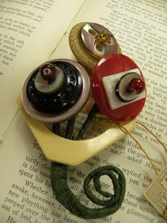 Cool Button Jewelry love it! must try! #ecrafty