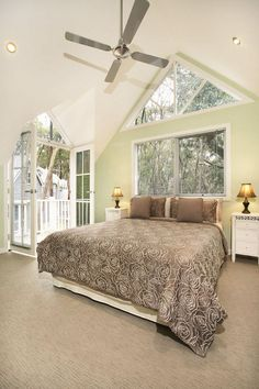 Gable Feature Windows   Storybook Designer Homes