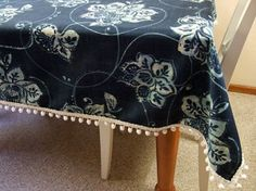 make your own table cloth with pom-pom trim
