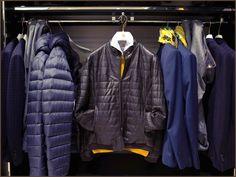 C'è tutta l'intensità e il fascino della notte nelle note avvolgenti del #blu: nuance protagonista del guardaroba maschile, si declina in infinite sfumature, accostandosi perfettamente a ogni tipo di capo e accessorio.   Impossibile non amarlo.   #Fradi Fall/Winter 15-16> www.fradi.it  #fradymood #blue #bluette #night #sky #cold #winter #everydaystyle #store #details #casualchic #equestrian #gentlemanclub #gentlemanriders