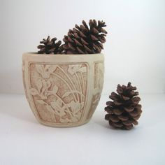 Weller Pottery Clinton Ivory vintage Vase or by SugarLMtnAntqs
