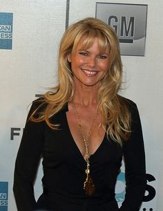 I Love the cut and color and simplicity. long-hairstyles-with-bangs-Christie-Brinkley. Christie Brinkley, Celebrity Measurements, Color Rubio, Michigan, Long Hair With Bangs, Beauty Magazine, New Haircuts, Blonde Color, Hairstyles With Bangs