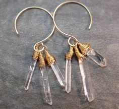 Crystal point earrings raw stone earrings quartz von BirdandBeed, $28.00 ooOooooO so shinee