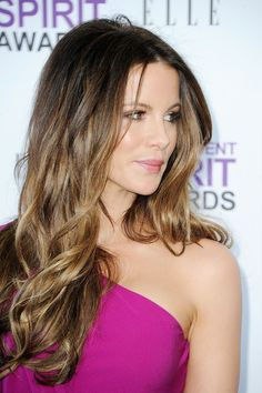 35 ideas for hair color balayage brunette lighter kate beckinsale Kate Beckinsale Hair, Kate Beckinsale Pictures, Hair Color Balayage, Hollywood, Mode Outfits, Trendy Hairstyles, New Hair, Beauty Hacks, Hair Makeup