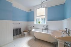 2 bed flat for sale in Warner Road, Walthamstow, London