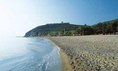 Παραλία Παντελεήμονα και κάστρο Πλαταμώνα  http://oneirikataxidia.blogspot.gr/2013/08/blog-post_8.html