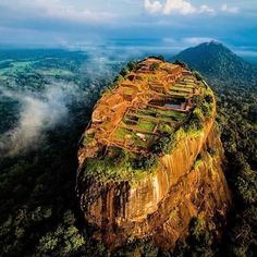 #Sygiriya the lion rock in #SriLanka   Pic via @jcourtial  Tag your best photos with #riserz for a chance to be featured!  Follow all our profiles @wonderfuldestinations_ to discover the best amazing places on earth! @mr.goodtravel to be inspired for your vacations!  @dreaming_travel to to see the most beautiful landscapes in the world!  #earth #paradise #travel #travelling #travelgram #living #adventure #life #epic #beautiful #earth #instagood #instamood #picoftheday #bestoftheday #amazing…