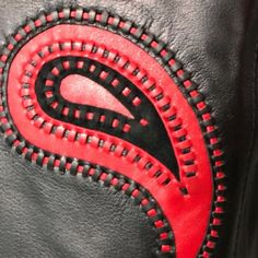 Мех и Кожа: Ателье Ирины Берзиной Leather Hats, Sewing Leather, Leather Craft, Leather Handbags, Fat Art, Leather Carving, Kids Coats, Fabric Manipulation, Leather Accessories