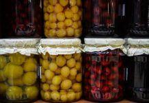 Jak na zavařování bez cukru? Jde to a je to velmi jednoduché! Preserves, Pickles, Paleo, Herbs, Stuffed Peppers, Cookies, Vegetables, Fruit, Food