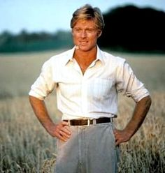 Robert Redford - it's hard to find a photo of this man where he doesn't look relaxed Look At You, How To Look Better, I Movie, Movie Stars, Paul Newman Robert Redford, Image Film, Raining Men, Attractive Men, Good Looking Men