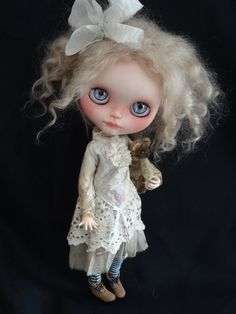 Victorian ghostie outfit fro Blythe by Petite Apple