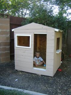 1000 images about pallets on pinterest pallet fort for How to make a playhouse out of wood