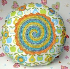 crochet pillow / cushion