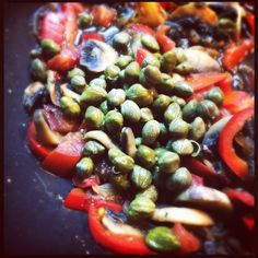 Pasta sauce Fruit Salad, Pasta Salad, Ethnic Recipes, Food, Crab Pasta Salad, Fruit Salads, Essen, Meals, Yemek