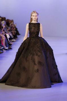 Photo - Elie Saab Couture - Spring/Summer 2014 Couture - paris - Fashion Show Ellie Saab, Style Couture, Couture Fashion, Fashion Show, Paris Fashion, Fashion Week, Elie Saab Couture, Beautiful Gowns, Beautiful Outfits