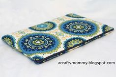 I made another project for my sister today, a zippered laptop sleeve.  Did you see the Kindle Fire case I made her yesterday?  Well in addi...
