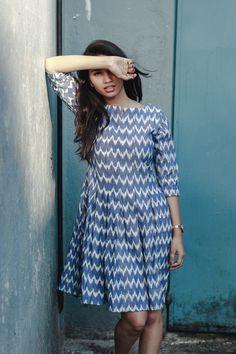 Kalamkari Dresses, Ikkat Dresses, Cotton Frocks, Cotton Gowns, Casual Frocks, Casual Dress Outfits, Frock Dress, The Dress, Casual Cotton Dress