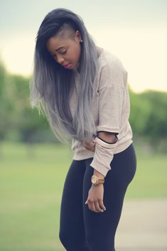 101 Everyday New Black Women Frisuren dieses Jahr zu kopieren, Neue schwarze Frauenfrisuren , Neue Frisuren Shaved Side Hairstyles, Long Hair Shaved Sides, Curly Hair Styles, Natural Hair Styles, Grey Ombre Hair, Ombré Hair, Black Girls Hairstyles, Celebrity Hairstyles, Love Hair