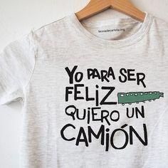Un precioso proyecto, unas hermosas camisetas y 6 niños que se merecen disfrutar de unas divertidas vacaciones http://www.mbfestudio.com/2015/07/compras-solidarias-en-la-casa-de-carlota.html #camisetas #tshirt #solidaridad
