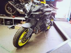Spotted on my journeys today... Looks like the #Yamaha #MT-10 is hitting UK shores already   Seen at @infinitymotorcycles   #iif