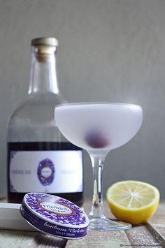 Crème de violette gin cocktail recipe