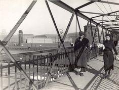 Nicolae Ionescu (1903 - 1975) Fotograf al Bucurestilor – altmarius Bucharest Romania, Old City, Utility Pole, Fair Grounds, Europe, 1975, Travel, Memories, Times