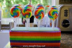 rainbow lollipops, party favors - display