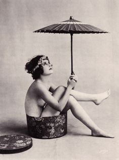 Waiting for the sun in the 1920s