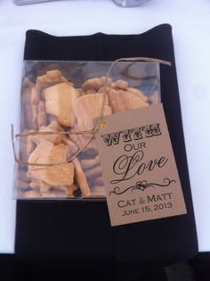 Enriched Events Wedding - Calgary Zoo   Fun favors - animal crackers!