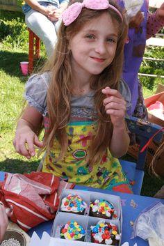 Cupcakes! Birthday Party Ideas | Photo 1 of 25