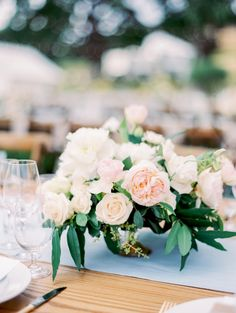 ivory and blush wedd
