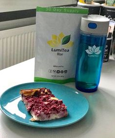 "It's Fri-YAY everybody! 🎶""Here comes the sun, dododooo""🎶 Greet the light with our Rise green tea blend! Pure lovely antioxidants with a kick of ginger & lemongrass, there's no better way to energize your morning. @panini79 #EnhanceYourLight www.LumiTea.com ✨🍃"