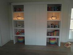 Kast met schuifdeuren, van vurenhout wit geverfd Smart Furniture, Custom Made, Bookcase, Shelves, Home Decor, Shelving, Decoration Home, Room Decor, Book Shelves