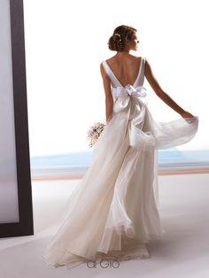 New Collection 05   #lesposedigio #bridaldress #madeinitaly   www.lesposedigio.com