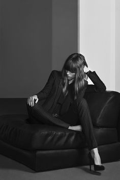 Soft Rock – Freja Beha Erichsen is the star of Saint Laurent's pre-fall 2013 campaign. The Danish beauty poses for Hedi Slimane in the collection of rocker chic… Looks Chic, Looks Style, Style Me, Daily Style, Black Style, Yves Saint Laurent, Vogue, Mademoiselle Mode, Victoria Tornegren