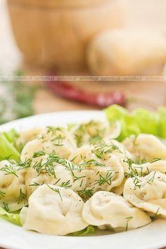 Pierogi wiejskie Polish Dumplings, Great Recipes, Favorite Recipes, Polish Recipes, Polish Food, Recipes From Heaven, Tortellini, Fabulous Foods, Pierogi
